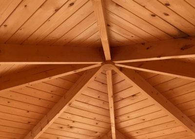 Holzhütte innen
